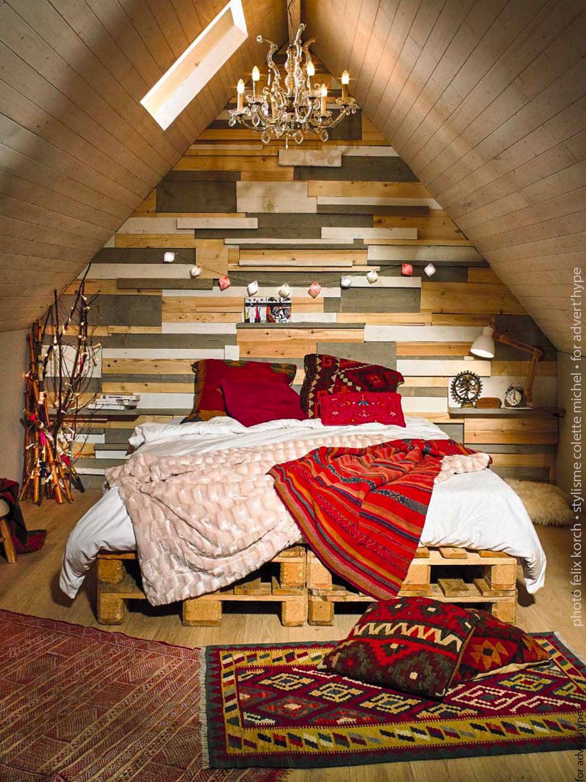 maison cabane ton rouge, stylisme et décoration d'intérieur Colette Michel