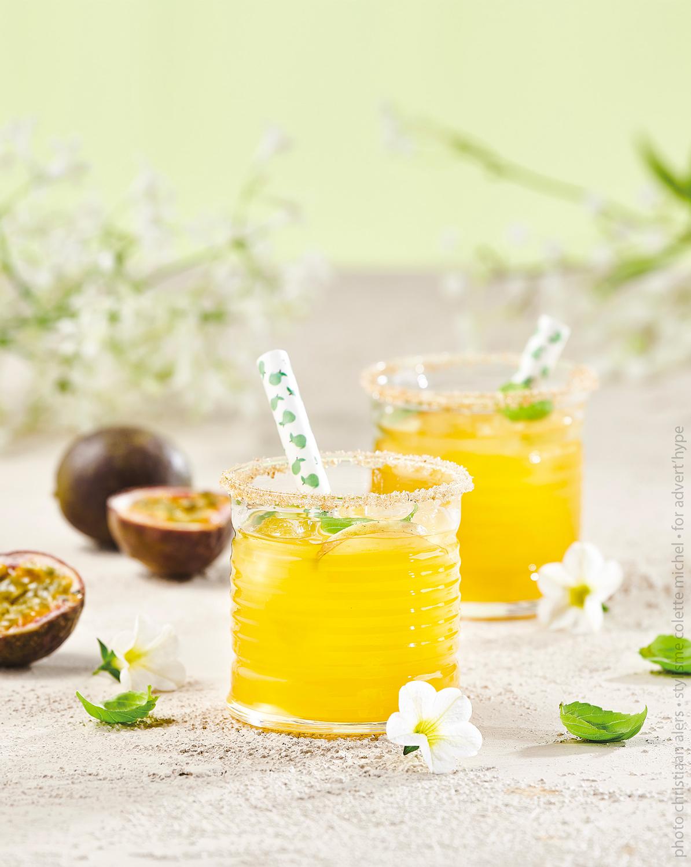 photo de cocktail fruit de la passion – stylisme food