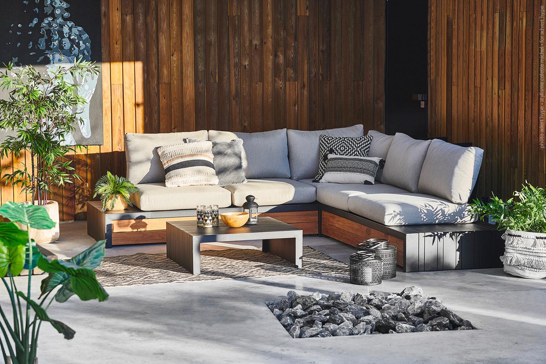 photo de canapé, stylisme outdoor – décoration